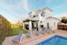 Villa in Roldan - Villa Besugo - Free Car Hire!